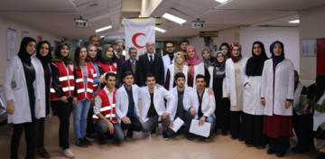 Doktor adaylarından kan bağışı kampanyasına destek