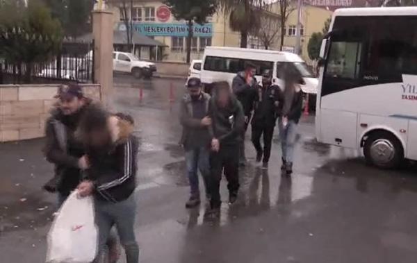 Video Haber: Dolandırıcılık yapan 15 kişi tutuklandı
