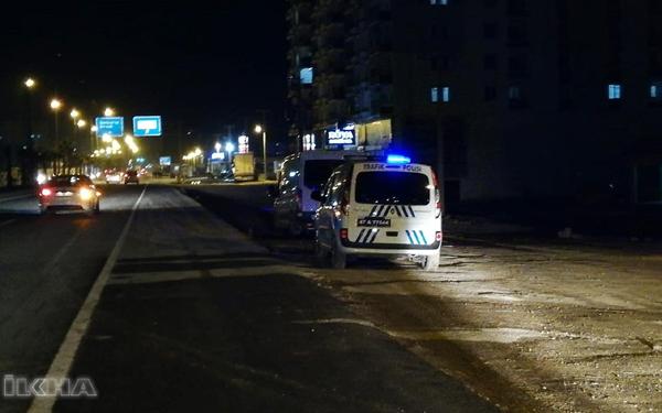 Halk otobüsü kadın işçilere çarptı: Bir ölü, 2 yaralı