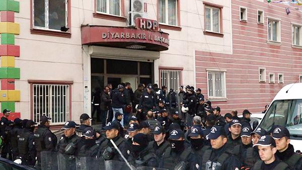 """""""HDP binası neden polis ablukasında?"""""""