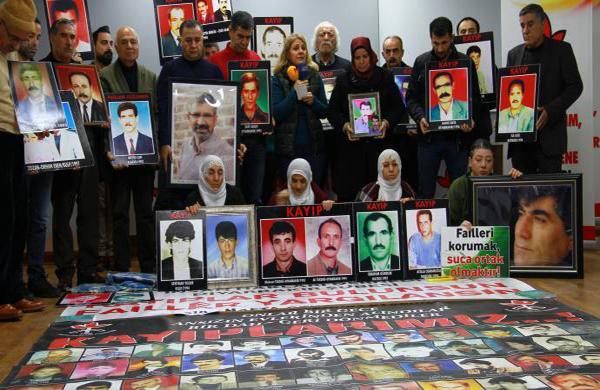 Eşbaşkan adayları kayıp yakınlarının eylemine katıldı