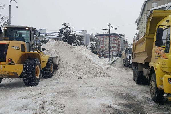 Video Haber – Kar nedeniyle kapanan 242 köy yolu ulaşıma açıldı