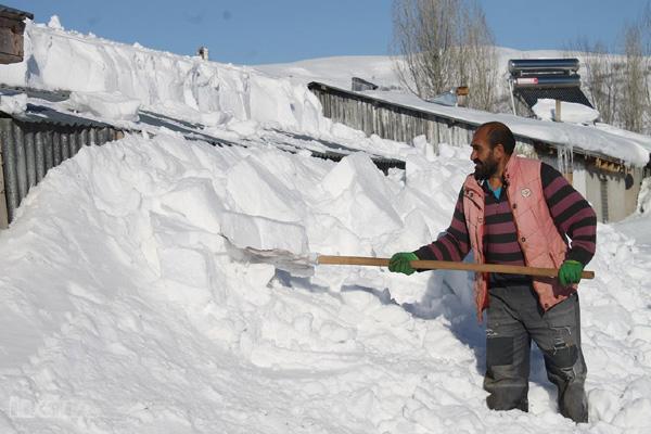 Video Haber: Tipi sonrası evler kar altında kaldı