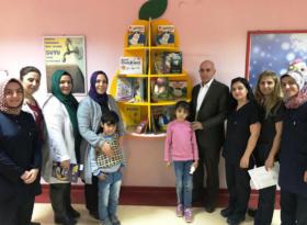 Halk Kütüphanesi'nden Onkoloji hastalarına kitap hediyesi