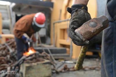 Sanayi üretimi yüzde 6,5 daraldı