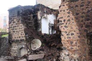 Video Haber:Toprak ev yağıştan dolayı yıkıldı
