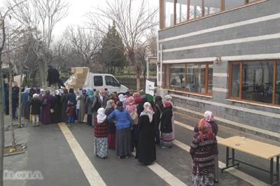 İhtiyaç sahibi ailelere bin 200 gıda kolisi dağıtıldı