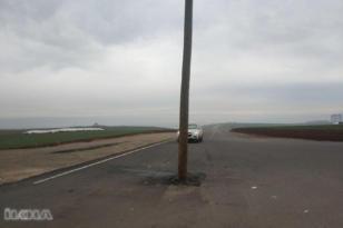 Video Haber:Yolun ortasındaki direk kazaya davetiye çıkarıyor