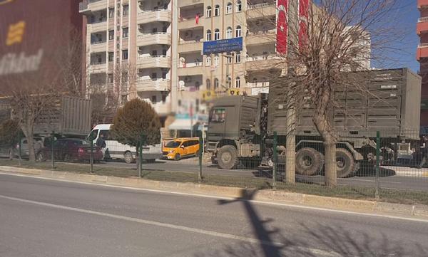 Video Haber: Mardin'de askeri sevkiyat hareketliliği