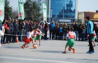 """""""5'te Devre 10'da Biter"""" sokak futbolu projesi başladı"""