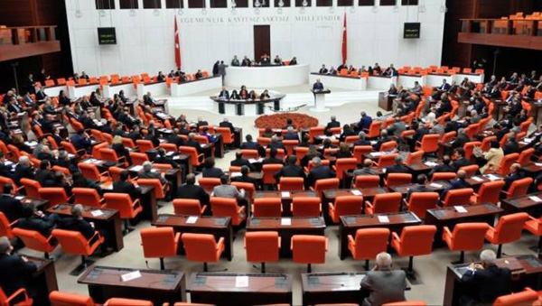 Meclis kapanıyor, umutlar sonbahara kaldı