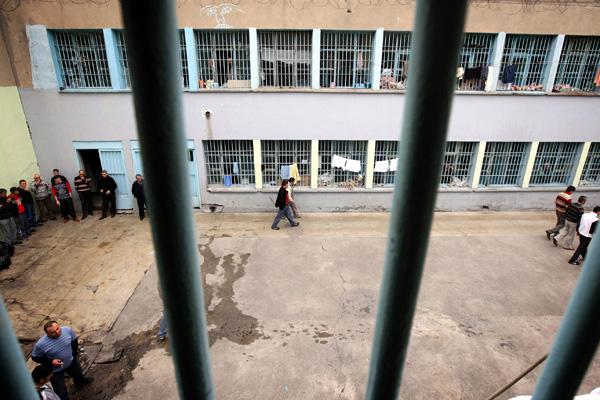 'Üç mahkum koronadan öldü'