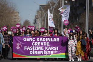 Sertaç Kayar'ın objektifinden Kadınlar Günü Mitingi
