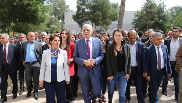 VİDEO HABER: Ahmet Türk mazbatasını aldı