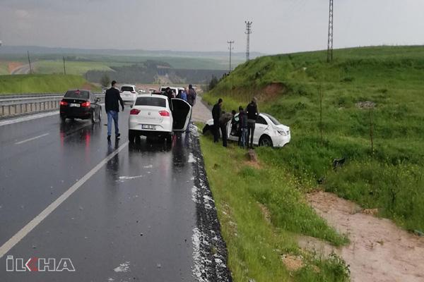 Dolu yağışı ile kayganlaşan yolda kaza: 2 yaralı