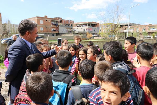Öğrenciler davet etti, Ebru Yaşar kabul etti