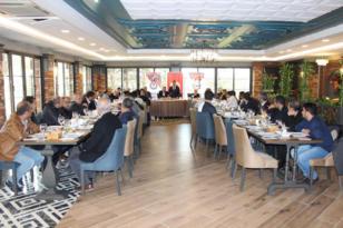 Diyarbakır'da eğitim çalışanlarının sorunları konuşuldu