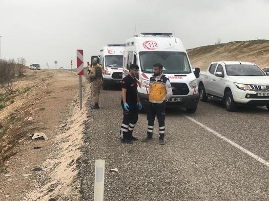 Otomobiller kafa kafaya çarpıştı: 5 ölü, 4 yaralı