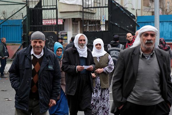 Kürt partileri: Kürt kimliği kazandı