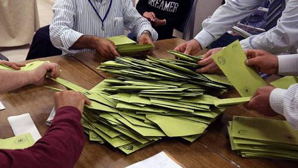 Seçim anketi: 4 parti barajın altında