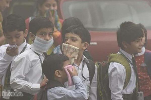 Trafikte solunan kirli hava çocuklarda astıma neden oluyor