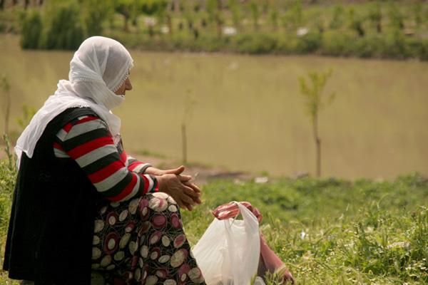 Annelerin cennete uzanan elleri