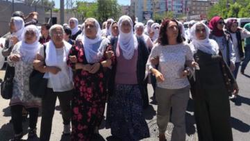 Anneler: Açlık grevi bitene kadar alanlardayız