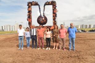 'Dönüşüm' heykeli Diclekent Bulvarı'na dikildi