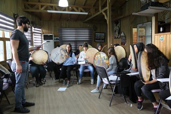 Jinwar Kadın Merkezi'nin öğrencilerinden erbane konseri