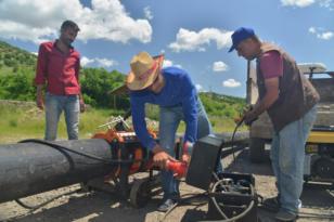 Büyükşehir'den çiftçilere su borusu desteği