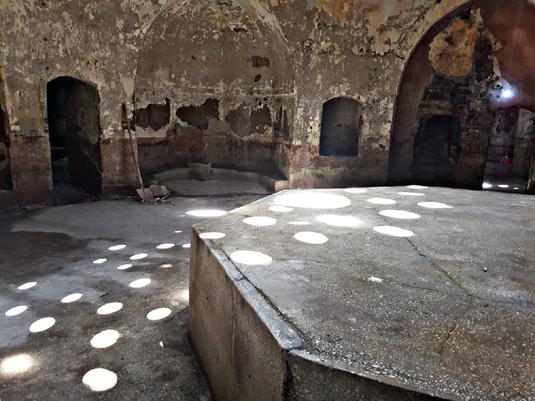 500 yıllık hamam bakımsızlıktan dökülüyor