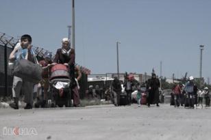 Türkiye sınırına gelen Suriyelilerin sayısı 100 bine ulaştı