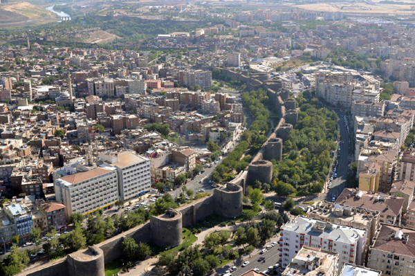 Sedat Eriş yazdı: Diyarbakır- Siyaset- Galip Ensarioğlu