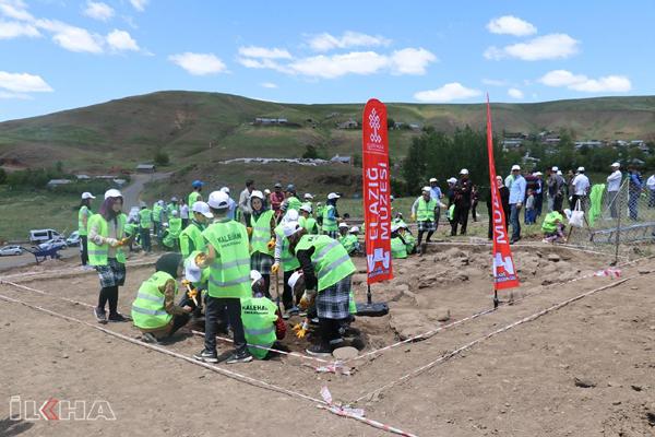 Video Haber: Urartu dönemine ait binlerce eser bulundu