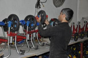 Video Haber: Ürettiği bisikletleri Türkiye'ye satıyor