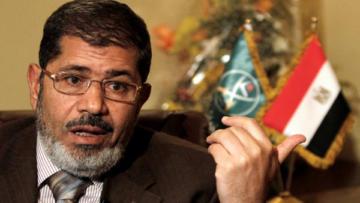 Mursi Kahire'de toprağa verildi