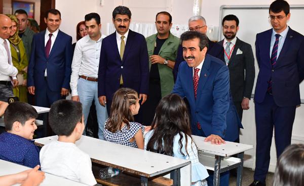 'Eğitim seferberliğinde Türkiye birincisiyiz'