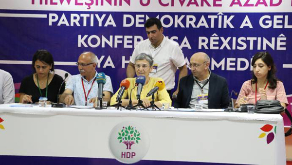 Güven'den Barzani'ye: Toprakları açma