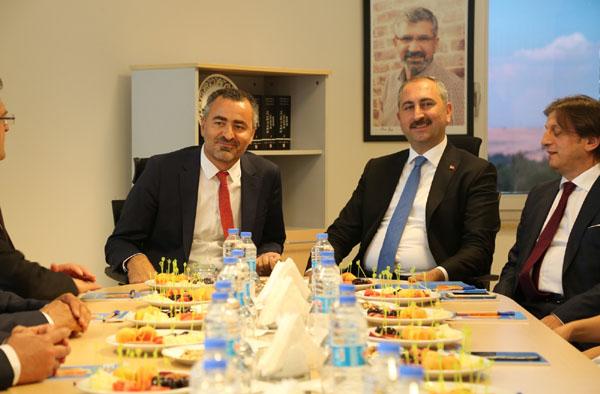 Bakan Gül Diyarbakır'da