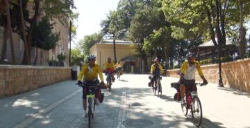 Diyarbakırlı bisikletçiler doğa için pedal çeviriyor