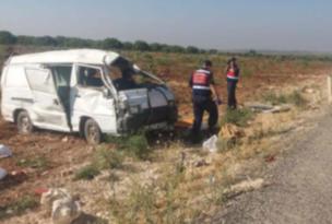 Tarım işçilerini taşıyan panelvan devrildi: 2 ölü, 20 yaralı