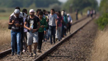 6 ayda 300 bin mülteci Avrupa'ya sığındı