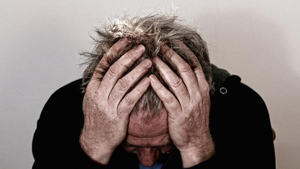 İnsanı en fazla yaşlandıran iki neden: SİGARA VE STRES