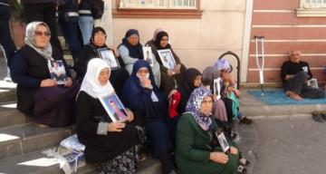 Annelerin HDP önündeki evlat nöbeti 26'ncı gününde
