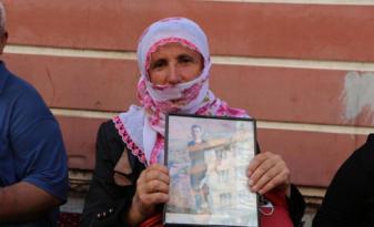 Oturma eylemindeki annenin oğlu çatışmada öldürüldü