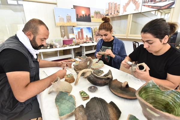 5 bin yıllık seramikler bulundu