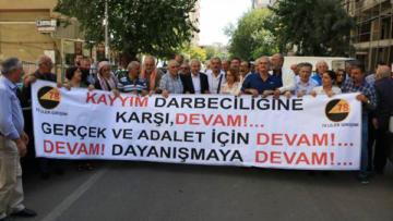 """""""Söz konusu Kürtler olunca Anayasa'ya uyulmuyor"""""""