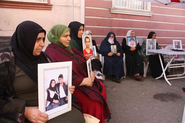 HDP önündeki ailelerin evlat nöbeti 61'inci gününde