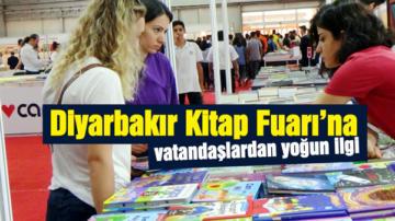 Diyarbakır Kitap Fuarı'na vatandaşlardan yoğun ilgi