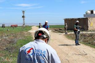 VİDEO HABER – Dicle Elektrik, Mardin'de bin 453 çiftçinin elektriğini kesti